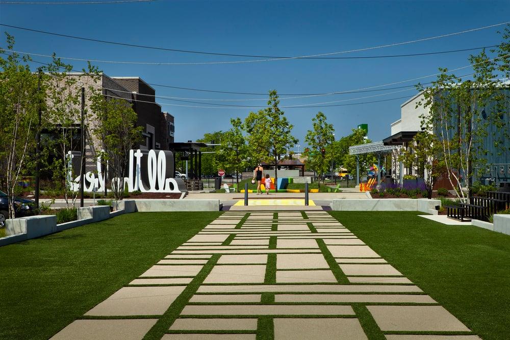 mellody_farm_courtyard