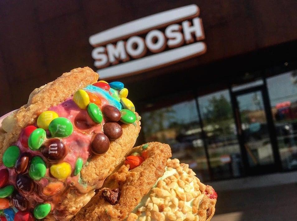 Smoosh Mini M&M Ice Cream Sandwich