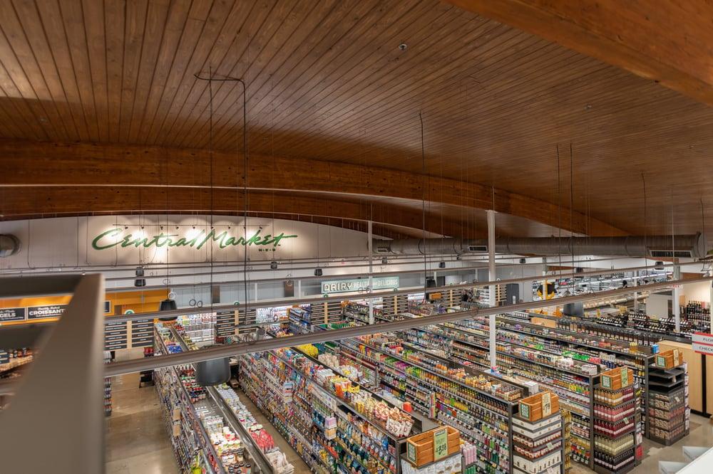central_market_dallas_interior