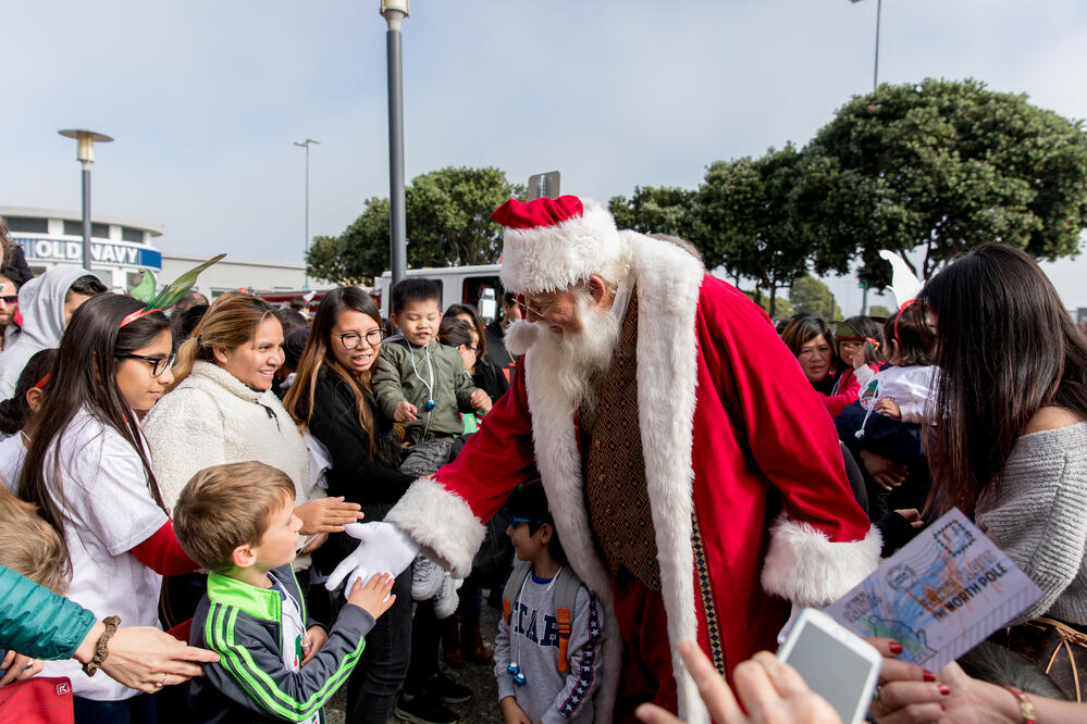 Santa Greeting Kids