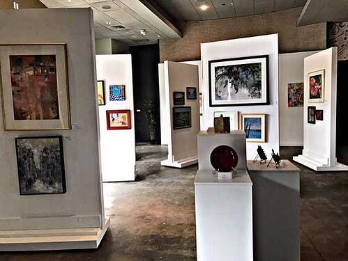 GalleryClarendon.Artwork inside the gallery