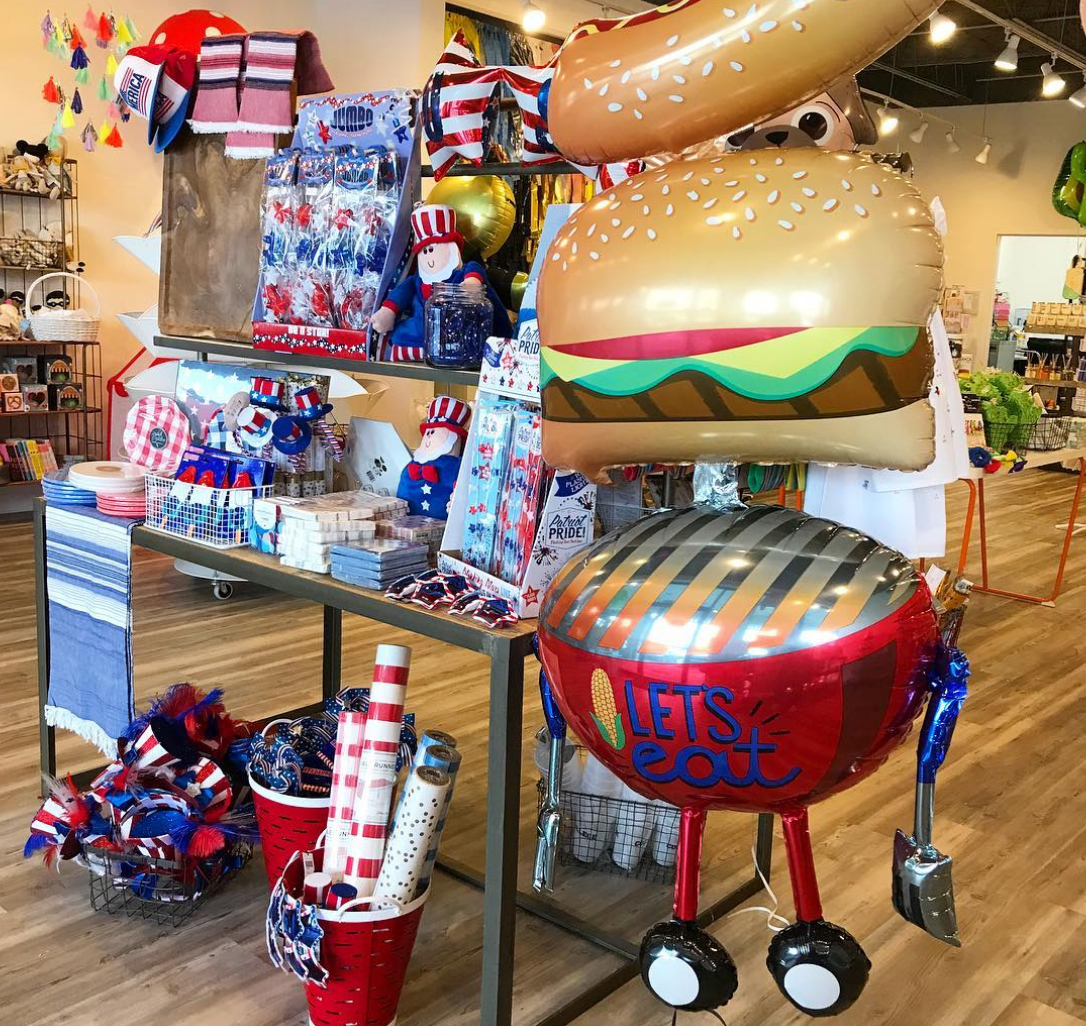 display of american and BBQ themed party decor
