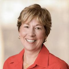 Lisa Palmer Headshot