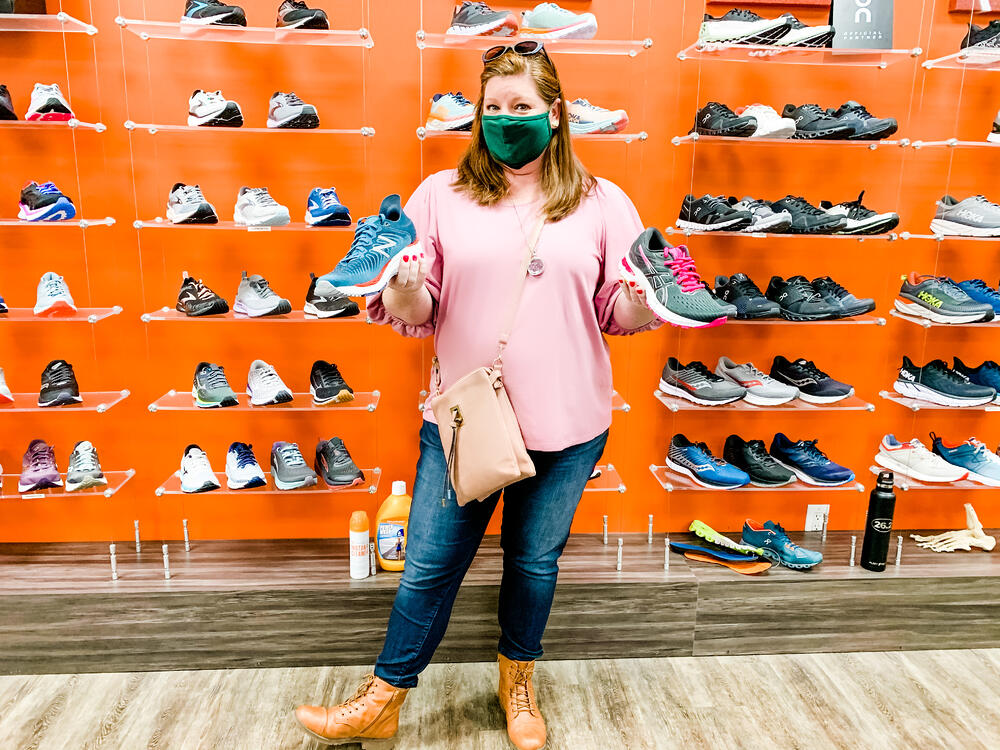heather_brooker_shopping_shoes