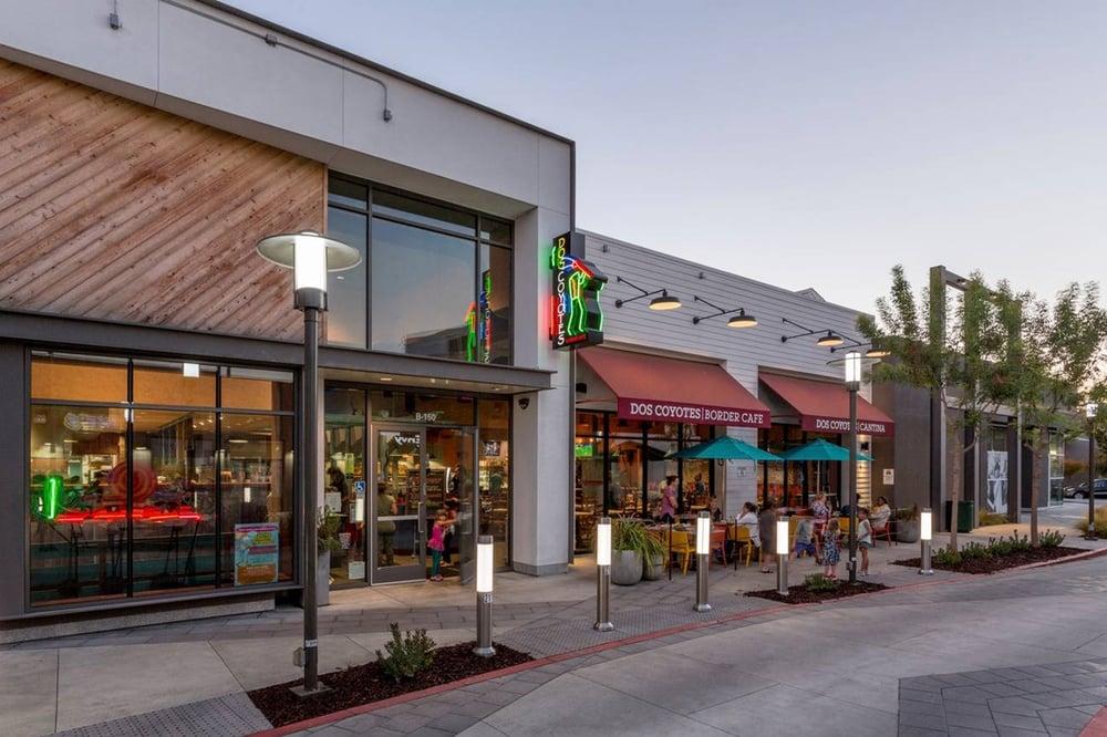 Willows Shopping Center Exterior