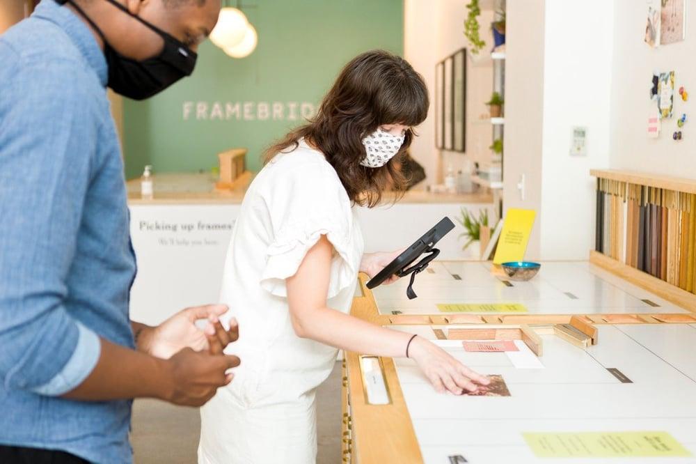 employees_store_interior_framebridge